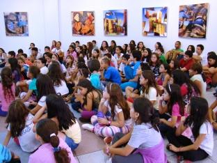 Visita a galeria de artes do SESC MS