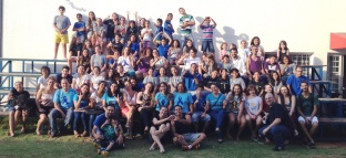 Casa comemora dia nacional dos surdos recebendo os alunos do CEADA